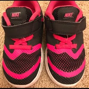 Girl Nike size 7 toodler sneakers